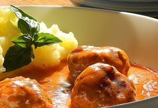 Cufte-u-paradajz-sosu